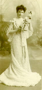 Image of Maud Powell circa 1904